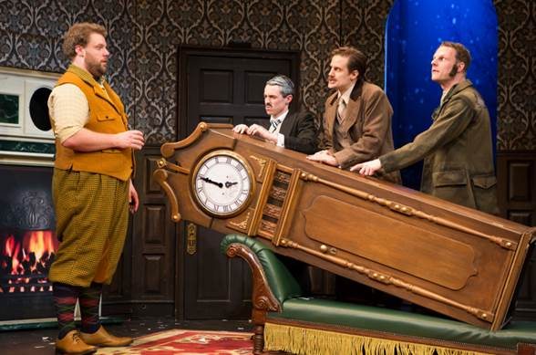 BWW Review: Brit-Farce THE PLAY THAT GOES WRONG Literally Brings Down The House
